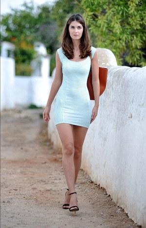 Babes In Short Skirts Pics